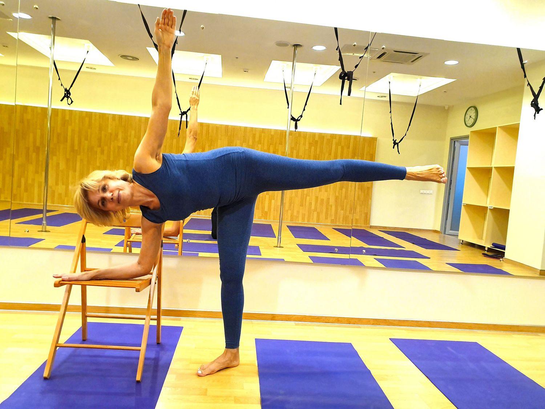 15 лучших упражнений йогатерапии остеопороза